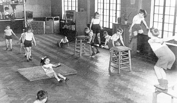 physical education class 1950 children