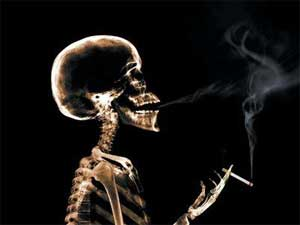 Smoking Kills - Skeleton smoking cigarette