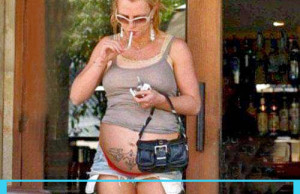 Britney Spears Pregnant Smoking Cigarette - Quit Smoking!