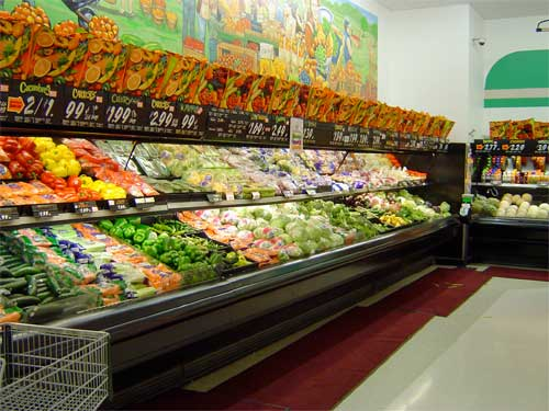 raw-vegetables-grocery-store