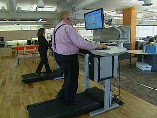 treadmill desk 6 Reasons Standing at Work Can Make You Skinny and Productive