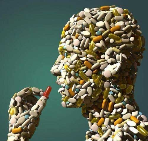 pill head supplement vitami 10 Hidden Toxins in Your Vitamins and Supplements
