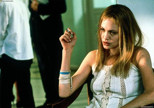 girl-interrupted-angelina-jolie