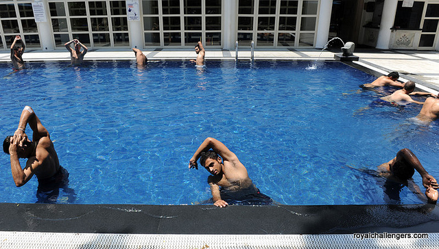"""Team pool exercises in Chennai at the """"Sheraton Park"""" Hotel, April 16th, 2011"""